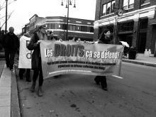 Profitant de la rencontre nationale des organismes en défense de droits, des délégués d'une centaine d'organismes communautaires ont pris la rue à Trois-Rivières le 6 novembre dernier pour revendiquer un rehaussement du financement gouvernemental à la mission.
