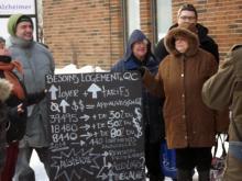 Des militant-e-s du FRAPRU se sont rendu aux bureaux de comté des ministres Bolduc et Blais pour leur faire une démonstration sur l'importance du seul programme de développement de logement social québécois : AccèsLogis.