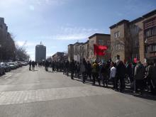 La plus importante manifestation de ce printemps étudiant à Québec a eu lieu le 29 mars dernier dans Saint-Jean-Baptiste. Environ 1 200 personnes, des étudiantes et des étudiants, des parents, des travailleurs et des travailleuses ont répondu à un appel signé de plusieurs militantes et militants de l'association étudiante du Cégep Garneau pour une marche familiale contre l'austérité et la brutalité policière. La manifestation faisait suite à la répression très violente d'une manifestation de l'ASSÉ devant l